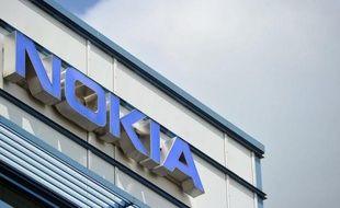 Le fabricant finlandais de téléphones portables Nokia a indiqué mercredi avoir porté plainte dans trois pays (Etats-Unis, Canada et Royaume-Uni) contre son concurrent canadien RIM (Blackberry) pour la violation de brevets.