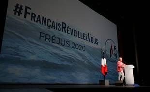 Le nouveau slogan du RN : 'Français, réveillez vous !'.