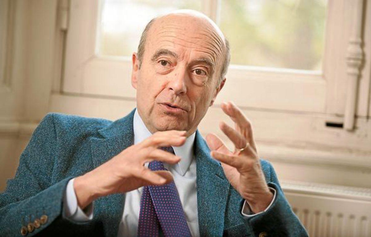 Bordeaux, 8 fevrier 2013. - Alain Juppe, maire de Bordeaux, dans son bureau. - Photo : Sebastien Ortola – S. Ortola / 20 Minutes