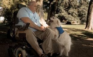 William Renault, en fauteuil roulant depuis une dizaine d'années, a décidé de divorcer de sa femme pour que le couple puisse vivre décemment.