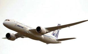 Le constructeur aéronautique Boeing a annoncé mardi qu'il allait faire voler deux avions du nouveau modèle 787 (Dreamliner) pour les rapatrier à son centre de Seattle, mais qu'aucune décision n'était prise sur la reprise des vols d'essai après un incendie la semaine dernière.