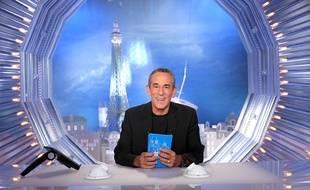 Thierry Ardisson sur le plateau de «Salut les terriens» sur C8.