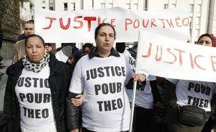 Une marche de soutien à Théo a eu lieu ce lundi à Aulnay-sous-Bois.