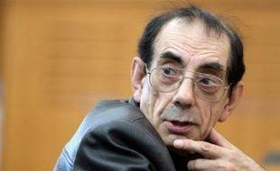 Lucien Léger, 71 ans, l'ex-plus ancien détenu de France, libéré en 2005 après 41 ans de réclusion pour l'enlèvement et le meurtre d'un garçon de 11 ans en 1966, a été retrouvé mort vendredi à son domicile de Laon, a-t-on appris de source policière.