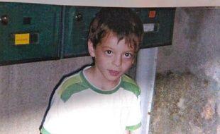 Portrait du jeune Antoine, 6 ans et demi, porte disparu depuis le jeudi 11 septembre 2008 à Issoire.
