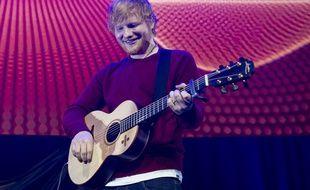 Le chanteur Ed Sheeran à la Roundhouse de Londres