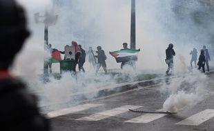 Des heurts se sont produits lors de la manifestation pro-palestinienne non autorisée, à Paris, le 15 mai 2021.