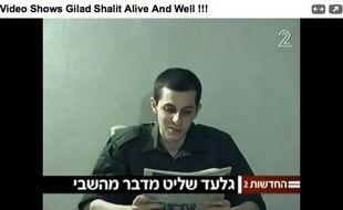 Capture d'écran de la vidéo du soldat Shalit, diffusée par les télévisions israéliennes
