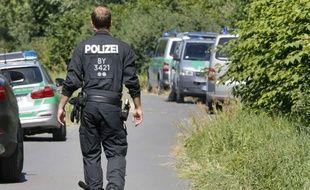 Un policier allemand à Wurtzbourg, le 19 juillet 2016, au lendemain d'une attaque terroriste perpétrée dans un train