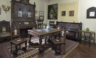 Au total, 300 objets, dont certains ont appartenu à Jacques Offenbach, seront mis en vente ce samed.