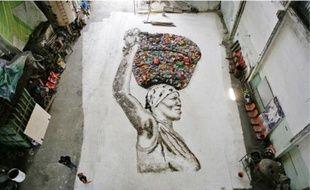 Vik Muniz a composé des portraits avec l'aide des trieurs d'ordures.