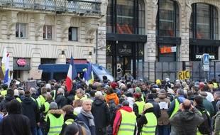 Manifestation de gilets jaunes lors de l'acte 10 à Bordeaux