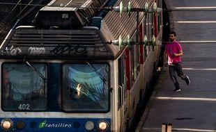 Les perturbations à la gare de Montparnasse touche fortement les usagers des lignes N et U du Transilien.