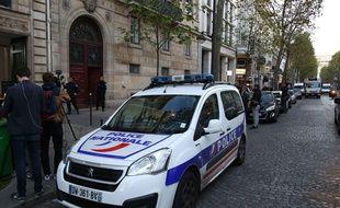 Kim Kardashian a été victime d'un braquage à Paris, rue Tronchet, dans la nuit de dimanche à lundi.
