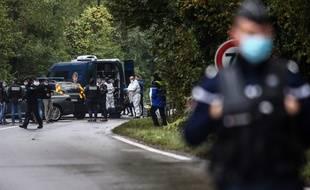 Photo d'illustration d'une intervention de gendarmes à Villefontaine (Isère), l'an passé après le meurtre de Victorine. ANTOINE MERLET