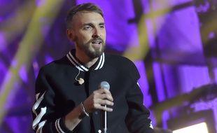 Christophe Willem, le 15 septembre 2017, lors du grand concert organisé devant l'Hotel de ville de Paris pour célébrer l'obtention de l'organisation des Jeux Olympiques et Paralympiques de 2024.