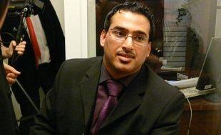 Le journaliste irakien Mountazer al-Zaïdi lors d'une rencontre avec des journalistes, à Paris, le 1er décembre 2009.