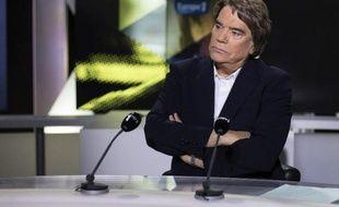 """La multiplication des procédures contre l'arbitrage controversé avec le Crédit Lyonnais dont a bénéficié Bernard Tapie risque in fine de """"coûter bien plus cher à l'Etat"""" que ce qu'avait finalement touché l'homme d'affaires, ont affirmé ses avocats mercredi."""
