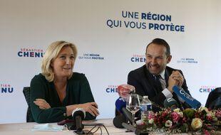 Marine Le Pen aux côtés du candidat RN aux régionales dans les Hauts-de-France, Sébastien Chenu.