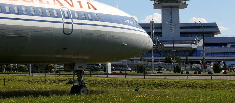 Un avion de la compagnie biélorusse Belavia, à l'aéroport de Minsk le 24 mai 2021.