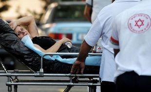 Un attentat-suicide anti-israélien, le premier du genre en Bulgarie, a fait mercredi au moins six morts, outre le kamikaze, et plus de 30 blessés, une attaque terroriste imputée par Israël à l'Iran et au Hezbollah chiite libanais, des accusations rejetées par Téhéran.
