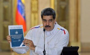Le président vénézuélien Nicolas Maduro annonce à la télévision de nouvelles arrestations dans l'enquête sur l'«invasion» déjouée, le 9 mai 2020.