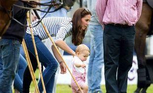 Le modèle de la salopette rose du Prince George a été en rupture de stock en moins de 24 heures
