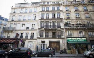 Le 28 août 2013. Photo de la façade de l'immeuble du 145 rue la Fayette à Paris qui est en fait une gigantesque bouche d'aération pour le RER et le métro de la RATP qui en est propriétaire