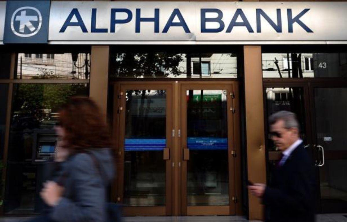 Les quatre principales banques grecques ont reçu lundi 18 milliards d'euros du Fonds européen de stabilité financière (FESF) en vue de leur recapitalisation, a indiqué à l'AFP une source au sein du Fonds grec de stabilité financière. – Aris Messinis afp.com
