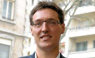 Le candidat Eric Lafond se présente comme la seule offre centriste à Lyon.