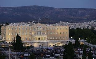 Des manifestants anti-austérité devant le Parlement grec, à Athènes, le 15 juillet 2015.