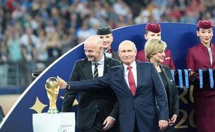 Le Président russe, Vladimir Poutine, lors de la remise du trophée le 15 juillet 2018. Credit:Anatoliy Medved/SIPA