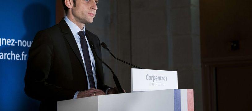 Emmanuel Macron lors de son allocution à Caprentras.
