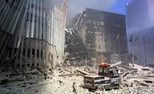 La dévastation à Manhattan, après l'attentat contre les tours du World Trade Center, le 11 septembre 2001.