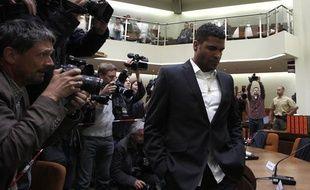 Le Brésilien Breno, ex-joueur du Bayern Munich, condamné à 3 ans et 9 mois de prison pour avoir mis le feu à son domicile (lors de son arrivée au palais de justice de Munich, mercredi 4 juillet 2012)