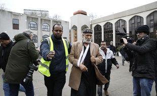 Le muezzin Raafat Maglad de la mosquée centrale de Londres a été agressé au couteau vendredi 21 février 2020