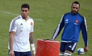 Le deuxième ligne Sébastien Vahaamahina et l'arrière-ailier Maxime Médard ont été appelés mardi dans un groupe de 23 joueurs français pour affronter l'Irlande le 9 mars dans le Tournoi des six nations, a annoncé l'encadrement du XV de France.