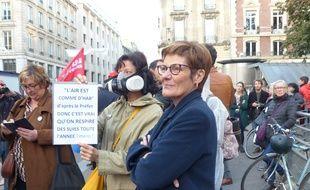Une pancarte éloquente devant le palais de justice de Rouen, où les manifestants témoignent de leur inquiétude après l'incendie de  Lubrizol. Le 8/10/19.