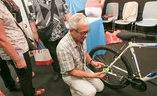 Easy Chain, pour remettre sa chaîne de vélo sans se salir les mains. Concours Lépine à la Foire européenne de Strasbourg. Le 5 septembre 2017.