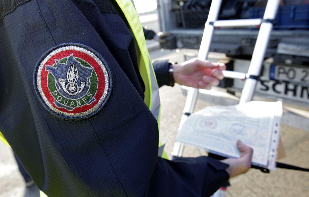 Fresnes-les-Monyauban, le 15 février 2017. Un important contrôle de la douane a eu lieu au péage sur l'autoroute A1 dans le sens Belgique vers Paris dans le cadre du plan de renforcement des actions de la douane dans la lutte contre le terrorisme. – M.Libert/20 Minutes