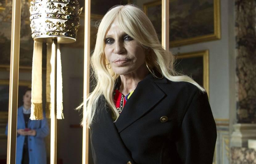 Donatella Versace revient sur ses années d addiction à la cocaïne après la  mort de son frère Gianni 44d6934ff7f