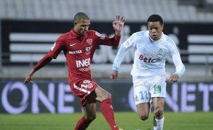 Marseille et son attaquant Loïc Remy ouvrent le bal des quarts de finale de la Coupe de France, mardi à Caen (20h30), contre Quevilly (National), un petit poucet habitué aux exploits.