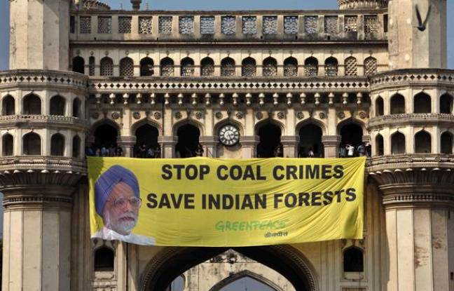 Manifestation de Greenpeace à Hyderabad, en Inde, à l'occasion de l'ouverture de la conférence des Nations unies sur la biodiversité, le 8 octobre 2012.