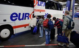 Le groupe Transdev, propriétaire d'Eurolines, a lancé ce mardi 4 juin Isilines, qui proposera, à partir du 10 juillet, 17 lignes d'autocars longue distance en France