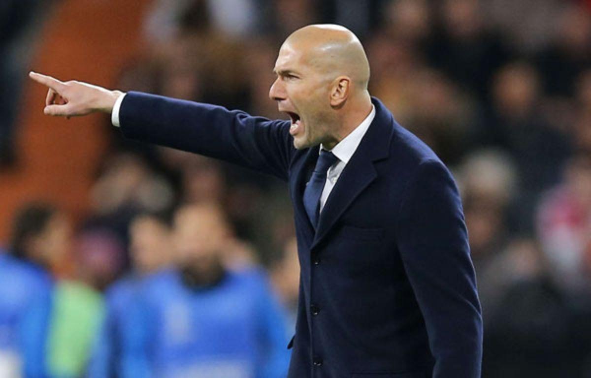 Zizou était excité comme une puce sur son banc de touche face au Barça.  – Paul White/AP/SIPA