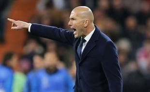 Zizou était excité comme une puce sur son banc de touche face au Barça.