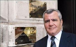 Un juge a tenté en vain vendredi de perquisitionner l'hebdomadaire satirique Le Canard Enchaîné et un autre magistrat s'est rendu au cabinet de l'avocat de Nicolas Sarkozy, dans l'enquête sur les violations du secret de l'instruction dans l'affaire Clearstream.