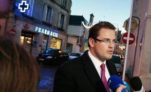"""Le laboratoire Marette, mis en cause dans l'affaire des nourrissons morts contaminés, a accusé jeudi l'hôpital de Chambéry d'avoir utilisé une poche alimentaire périmée, en pointant des """"dysfonctionnements majeurs"""" dans l'établissement."""