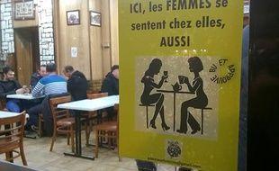 """Une affiche du collectif """"Place aux femmes"""" dans un bar d'Aubervilliers, le 23 février 2016"""