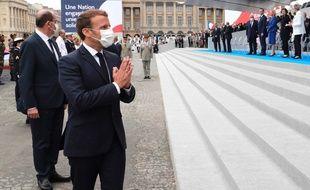 Emmanuel Macron a rendu hommage aux soignants place de la Concorde ce mardi 14 juillet.
